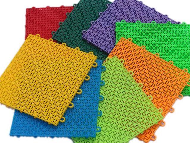 Single Layer Square Lattice Flooring