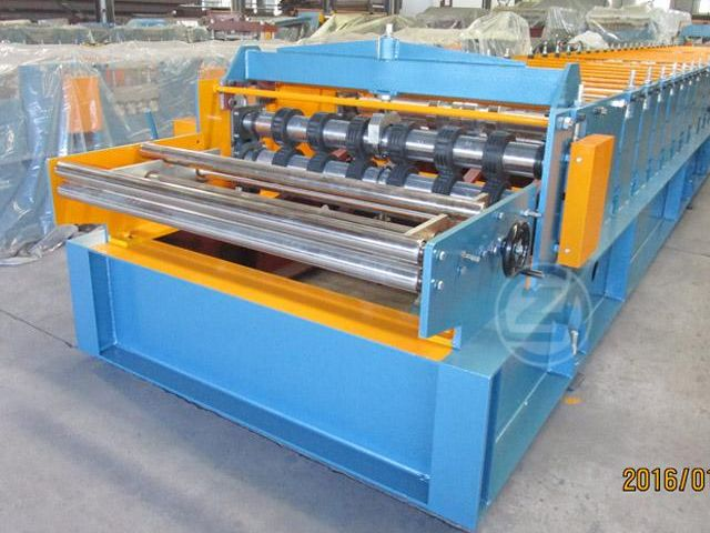 Metal Deck Forming Machine
