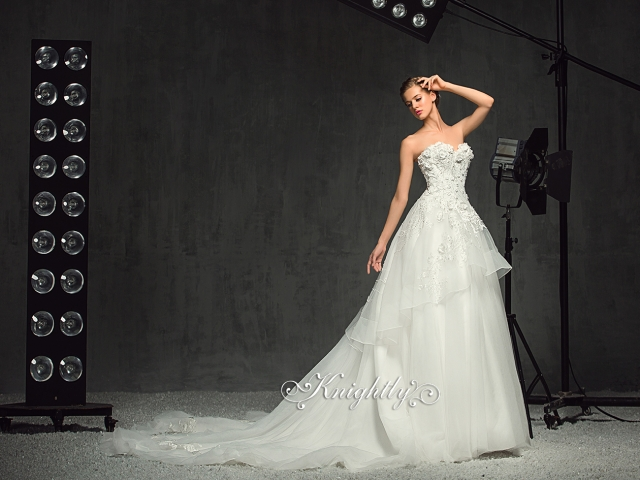 Sweetheart Neckline Strapless Floral Embroidery Lace Ball Gown