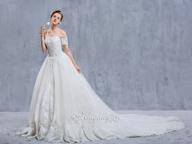 Strapless Embroidery Lace Applique Ball Gown